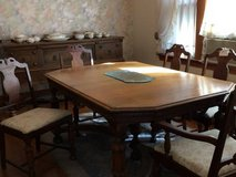 Reduced...Antique Solid Wood Table and 5 Chairs in Westmont, Illinois