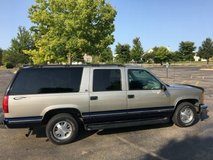 1999 Chevrolet Suburban 2wd in St. Charles, Illinois