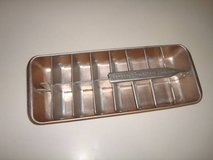 Vintage General Electric Redi-cube 16 count aluminum ice cube tray in Brookfield, Wisconsin