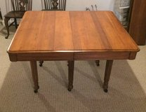 BEAUTIFUL ANTIQUE WOOD TABLE with 6 LEAVES - Late 1800's in Shorewood, Illinois