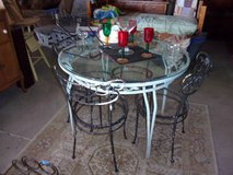 Vintage Metal Table and Four Matching Chairs Set in Fort Riley, Kansas