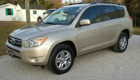 EXTRA CLEAN 08 Toyota RAV4 Limited V6 Automatic Loaded Sunroof Leather in Cherry Point, North Carolina
