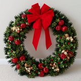 "VINTAGE 1970 28"" CHRISTMAS WREATH & FESTIVE STORAGE BOX in MacDill AFB, FL"