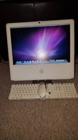 "White 17"" Apple iMac AIO A1208 in Batavia, Illinois"