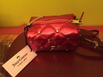 juicy couture poppy red crossbody shoulder quilted purse hearts faux patent in Morris, Illinois