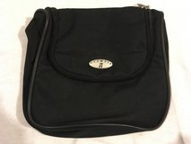 nwot olympia black 9x9 multi pocketed zipper closed carry handle toiletry bag  02063 in Huntington Beach, California