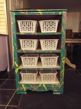 Dresser*Kids Bins*Colorful*8 Bins*Vintage*Like New Cond in Fort Leonard Wood, Missouri