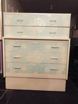 Chest of Drawers*Vintage*5 Drawers*Lace*Like New Cond in Fort Leonard Wood, Missouri