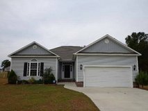 Home on a cul-de-sac. Spacious. Close to base. Fenced back yard. in Camp Lejeune, North Carolina
