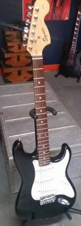 1999 Squier Affinity Strat Electric Guitar w/ Tremolo in Chicago, Illinois