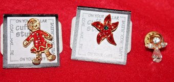Set of 3 Small Holiday Pins - Female Gingerbread, Poinsettia, Angel - nwt in Batavia, Illinois
