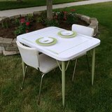 50's Table & 2 Chairs in Plainfield, Illinois