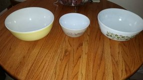 3 Vintage Pyrex Bowls - $25 for all 3 in Travis AFB, California