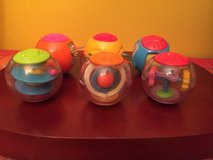 fisher price roll-a-rounds 6 assorted balls. pre-owned in Naperville, Illinois