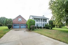 Lovely Home in Plantation Estates near Ft Campbell in Fort Campbell, Kentucky