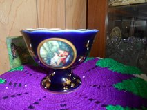 Vtg LEFARD England Collectible - Compote with Pedestal Blue Porcelain Dish! in Bellaire, Texas