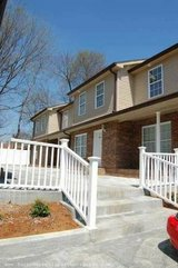 3 bedroom 2 bath townhouse with water, cable tv & wifi included $1300 in Fort Campbell, Kentucky