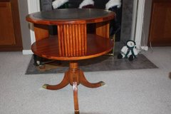 Beautiful Vintage Round Wood Side Table in Kingwood, Texas