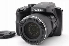 "FUJIFILM FINEPIX S8200 16MP 40X Zoom Digital Camera 3"" Screen *w/ CASE & STRAP!* in Aurora, Illinois"