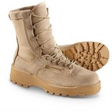 altama 411402 army temperate cold weather goretex 8.5 wide tan military boots  02595 in Fort Carson, Colorado