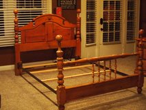 Queen size country pine bed frame in Fort Knox, Kentucky