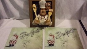 x2 bon appetite glass place mats / cutting boards / 14 x 12 3-d italian chef  02445 in Fort Carson, Colorado