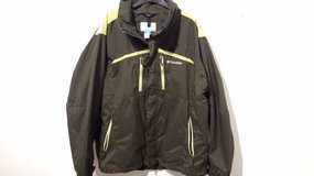 Men's Columbia Shells and Jackets - Size Large and Medium in Bartlett, Illinois