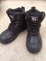 Snow Boots Youth size 4 in Vacaville, California