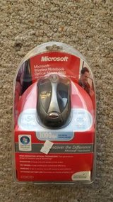 New Microsoft Wireless Optical Mouse 4000 in Batavia, Illinois