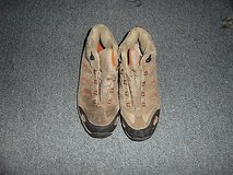 boys youth northside hiking shoe size 5 ~ nm 13300 in Fort Carson, Colorado
