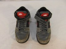 children youth uniisex nike 6.0 gray black red basketball shoes lace strap 31232 in Fort Carson, Colorado