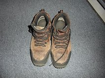converse hiking boots size: 10 1/2 ~ nm 13470 in Fort Carson, Colorado