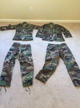 Cammo tops and bottoms in Camp Lejeune, North Carolina
