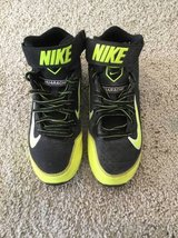 Baseball cleats Youth 4 in Vacaville, California