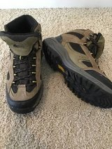 Hiking Boots Youth 5 in Vacaville, California