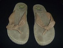 earth shoe sandals ashley  womens size 8m beige leather gelron 2000 rb 11434 in Fort Carson, Colorado