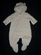 Baby Gap Ivory Quilted Velour Lined Hooded Snowsuit size 0-3M in Fort Lewis, Washington