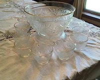 Vintage Anchor Hocking Sandwich Pattern Gold Trim Punch Bowl And Stand in Fort Rucker, Alabama