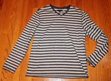 Banana Republic Gray Striped V-Neck Heavyweight Cotton/Spandex Top, Men's Large in Aurora, Illinois