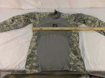 adult unisex us army acu digital camouflage pullover massif medium shirt 31484 in Fort Carson, Colorado