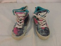 children youth girls osiris tye dyed skateboarding lace up shoes 31667 in Fort Carson, Colorado