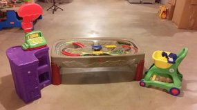 Shopping cart, Leap Frog pretend and learn in Elgin, Illinois