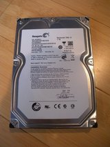 "seagate desktop st1000dm003 1tb 64mb cache sata 6.0gb/s 3.5"" internal hdd in Chicago, Illinois"