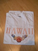 vintage sea shells embroidered honolulu hawaii t-shirt 100%  cotton, l adult in Shorewood, Illinois