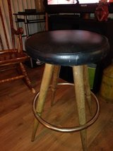 Big Wide Round Padded Seat Bar Stool in Roseville, California