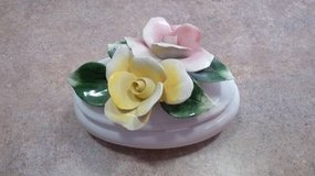 Vintage Nuova Capodimonte Rose Flowered Porcelain Lidded Trinket Box in Plainfield, Illinois