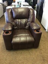 BROWN LEATHER POWER RECLINER in Schofield Barracks, Hawaii