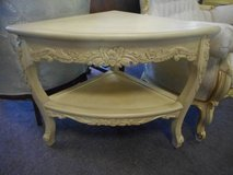 Lovely French Occasional Table in Batavia, Illinois