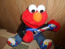 1998 TYCO The Jim Henson company Mattel Inc Rock n Roll Elmo Muppets!    Sings and plays in Spring, Texas