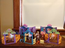 polly pocket ride in style ranch set 6 horses, 2 stables, polly in Elgin, Illinois
